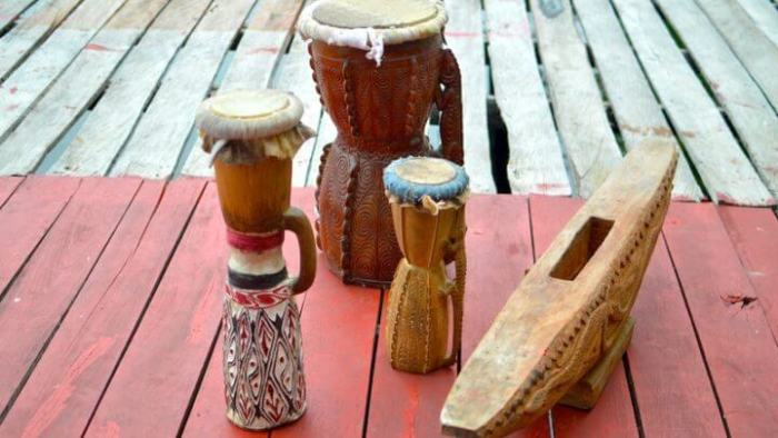 Tifa, alat musik ritmis tradisional papua