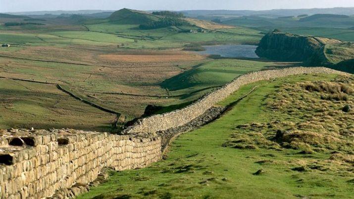 tempat wisata di inggris Hadrian's Wall
