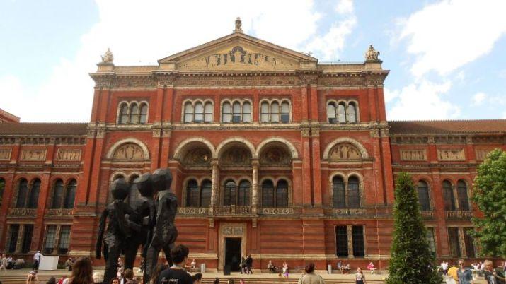 tempat wisata di inggris Victoria and Albert Museum