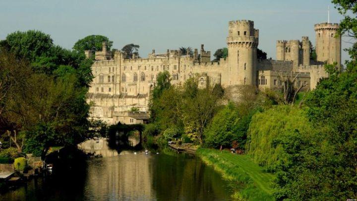 tempat wisata di inggris Warwick Castle