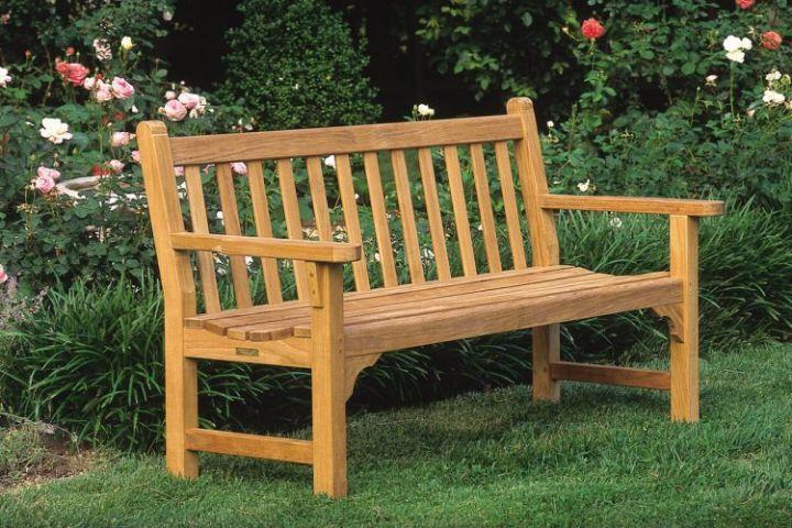 gambar kursi kayu jati