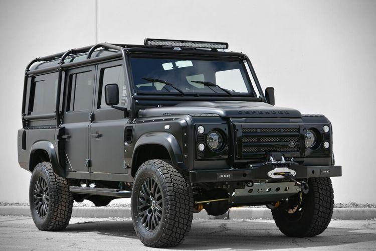 Mobil Offroad Land Rover Defender