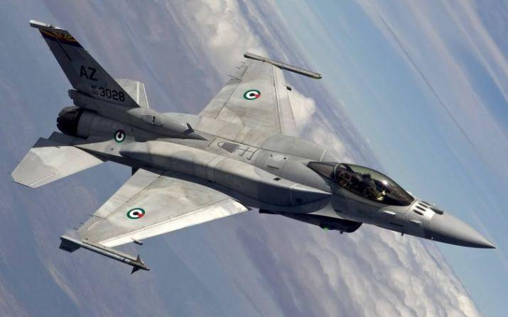gambar pesawat tempur F-16 Fighting Falcon