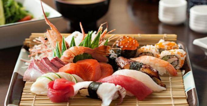 makanan enak jepang - sushi