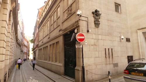 On Ironmonger Lane Mercers Hall is quite plain and easily missed