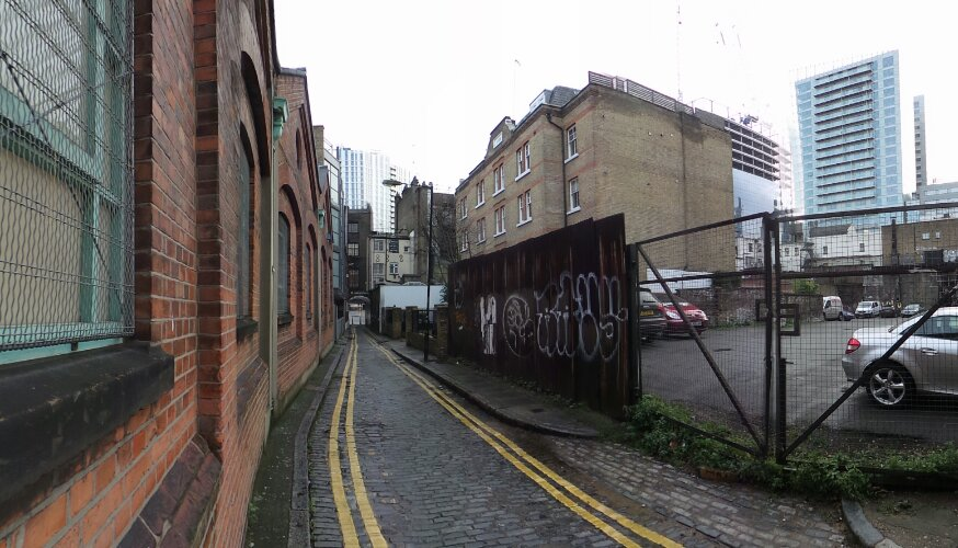 Looking down Gunthorpe Street towards the entrance of Whitechapel High Road.  The murder scene at George's Yard Buildings would have been on the right of this picture