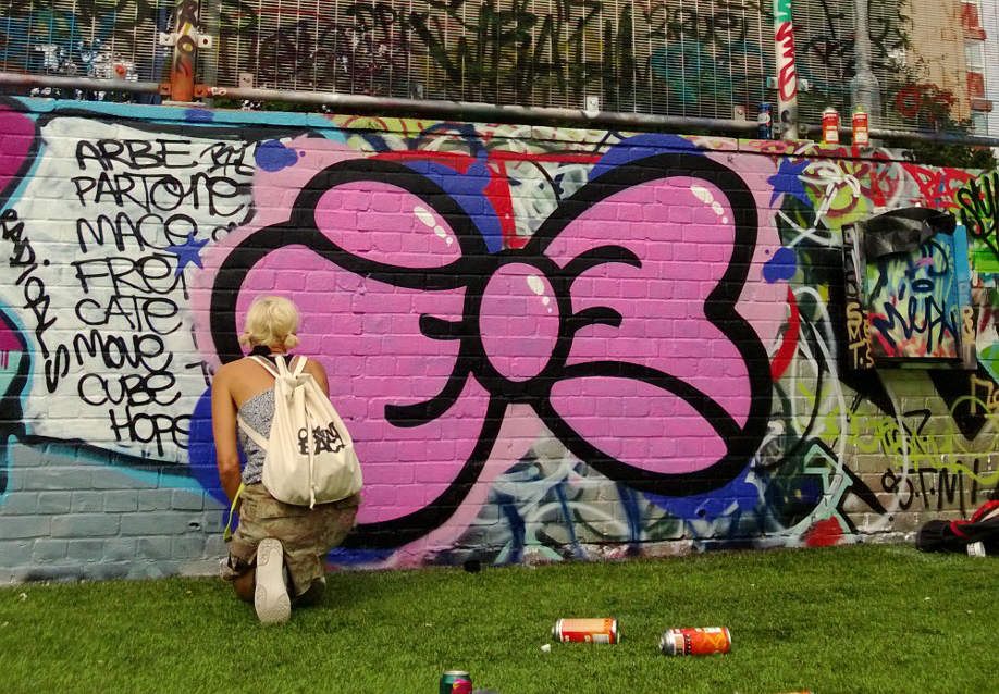 Bow Painting in Hackney by Steffi Bow