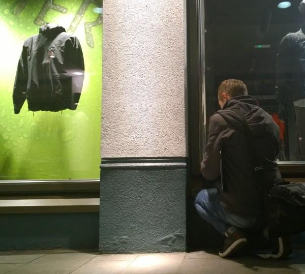 Planting a little guy onto a clothes shop