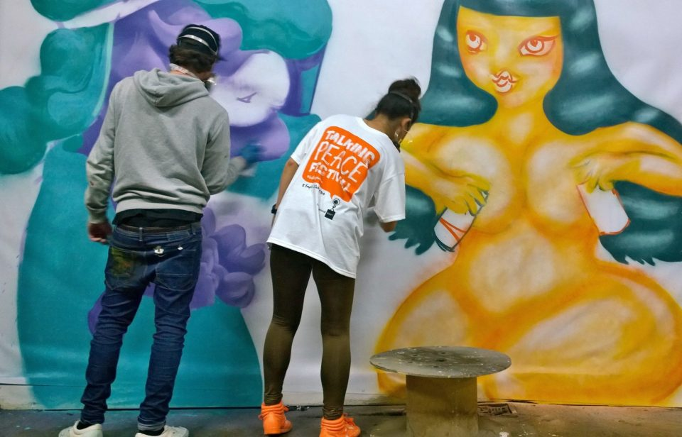 Saki and B live painting at the jam with Tony Boy