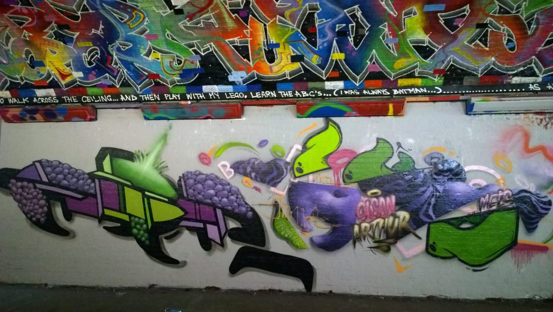 This looks like it's been tagged 'Susan Arthur' but I'm not sure if this is the name of the artist or not