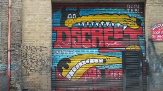 Shutter from Dscreet