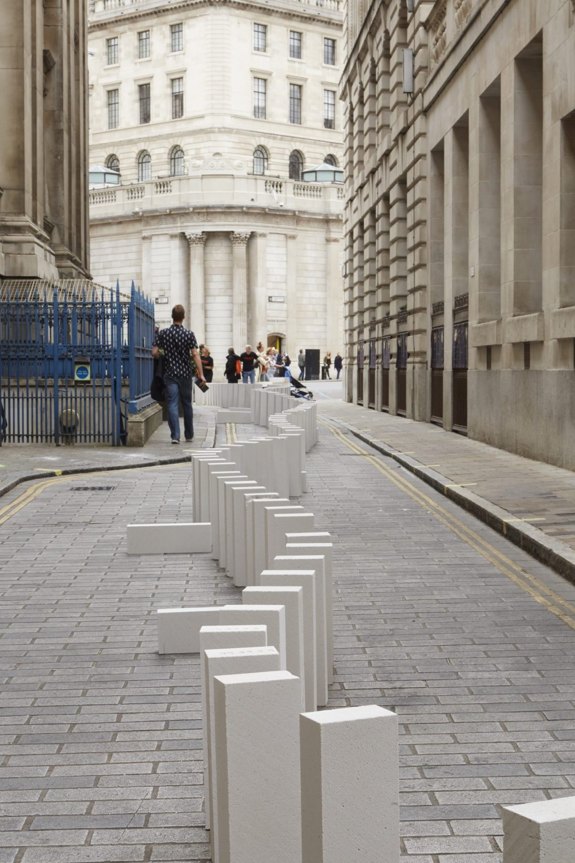 dominoes-station-house-opera-an-artsadmin-project-londons-burning-a-festival-of-arts-and-ideas-for-great-fire-350-produced-by-artichoke-photo-by-matthew-andrews-11