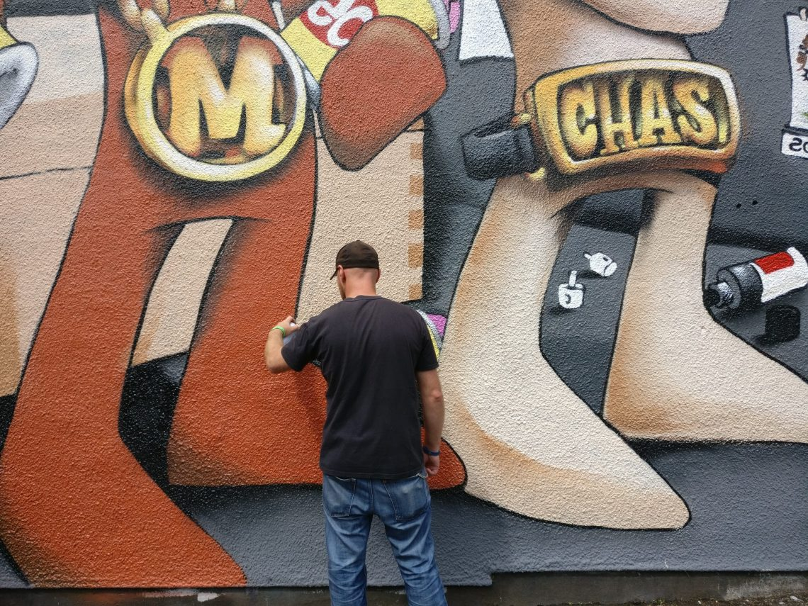 Cheo painting during Upfest in 2017