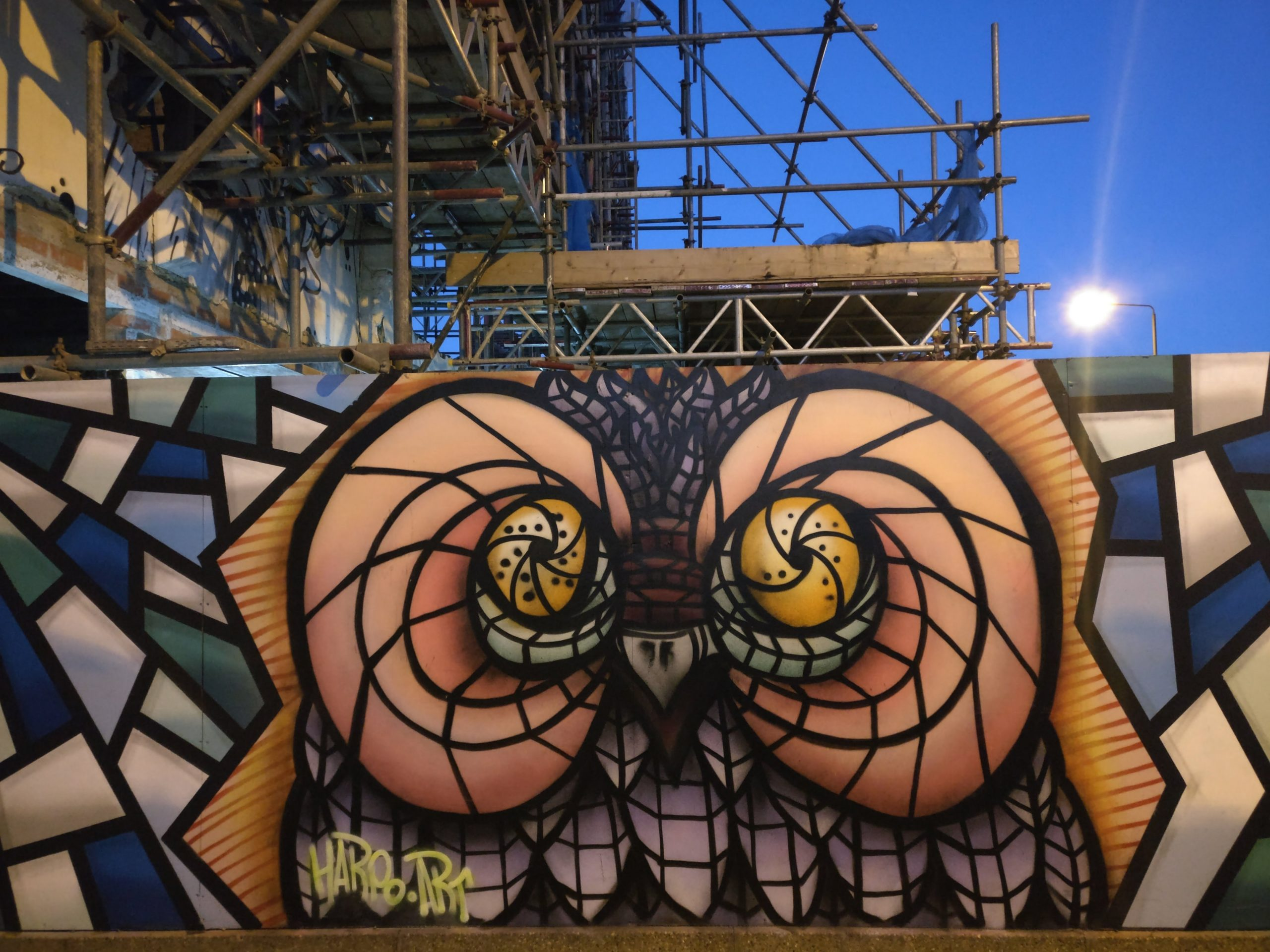As has become now a bit of a tradition our pals at london calling once again organised a street art paint jam to celebrate not only the new year but also