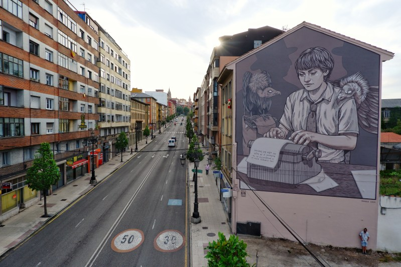 Mural by Lidia Coa inspired by Dolores Medio part of the 4th Edition of the Parees Festival