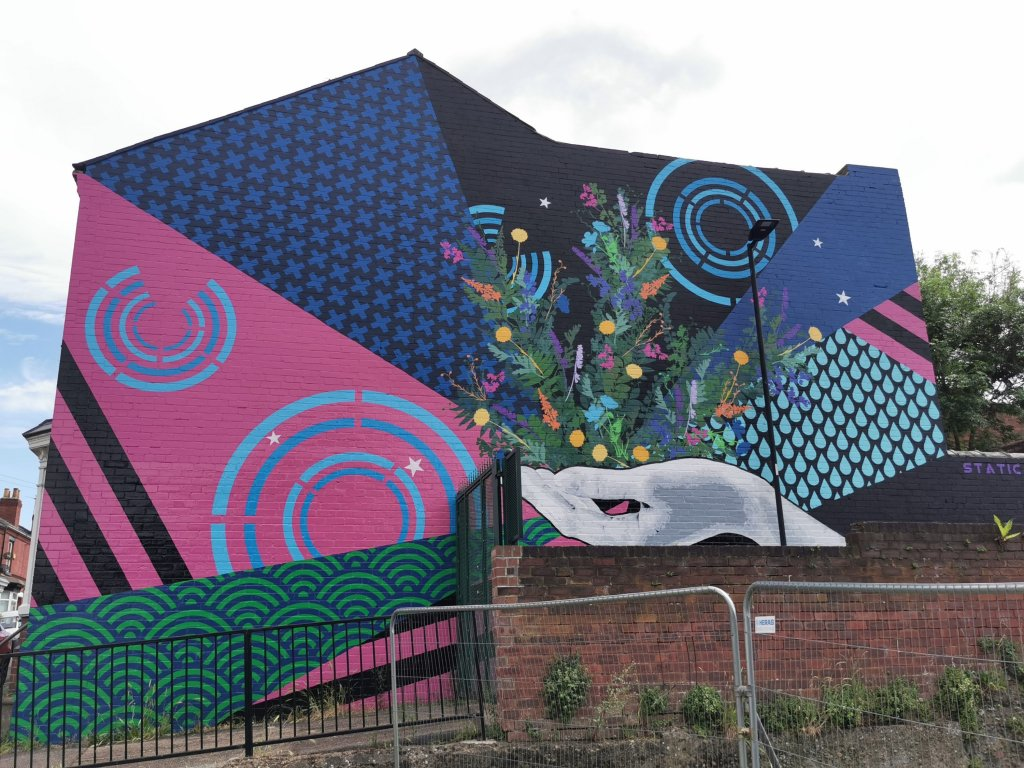 Mural by Static overlooking Baxter Park in Doncaster
