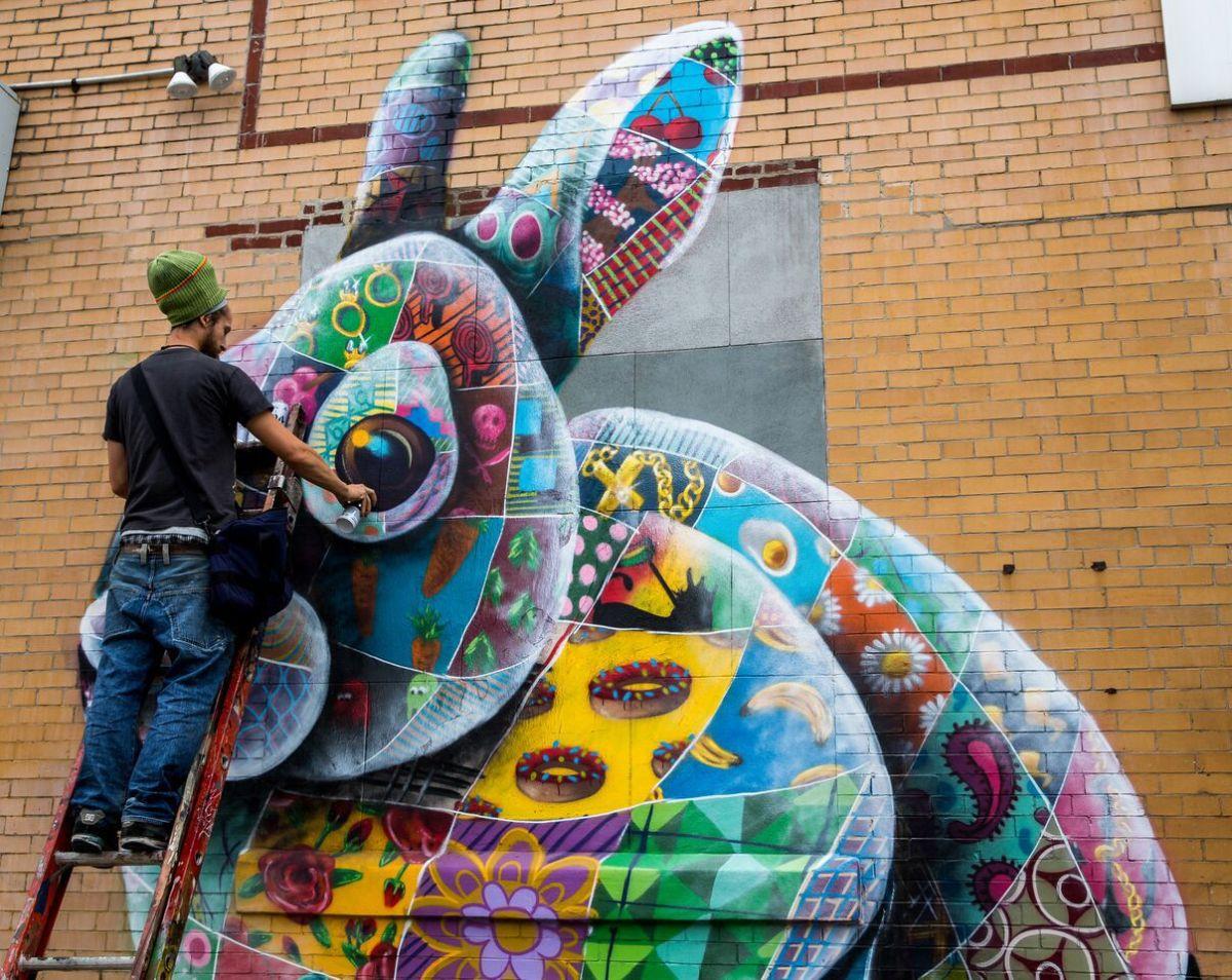 Street Artist Louis Masai Tours America And Paints