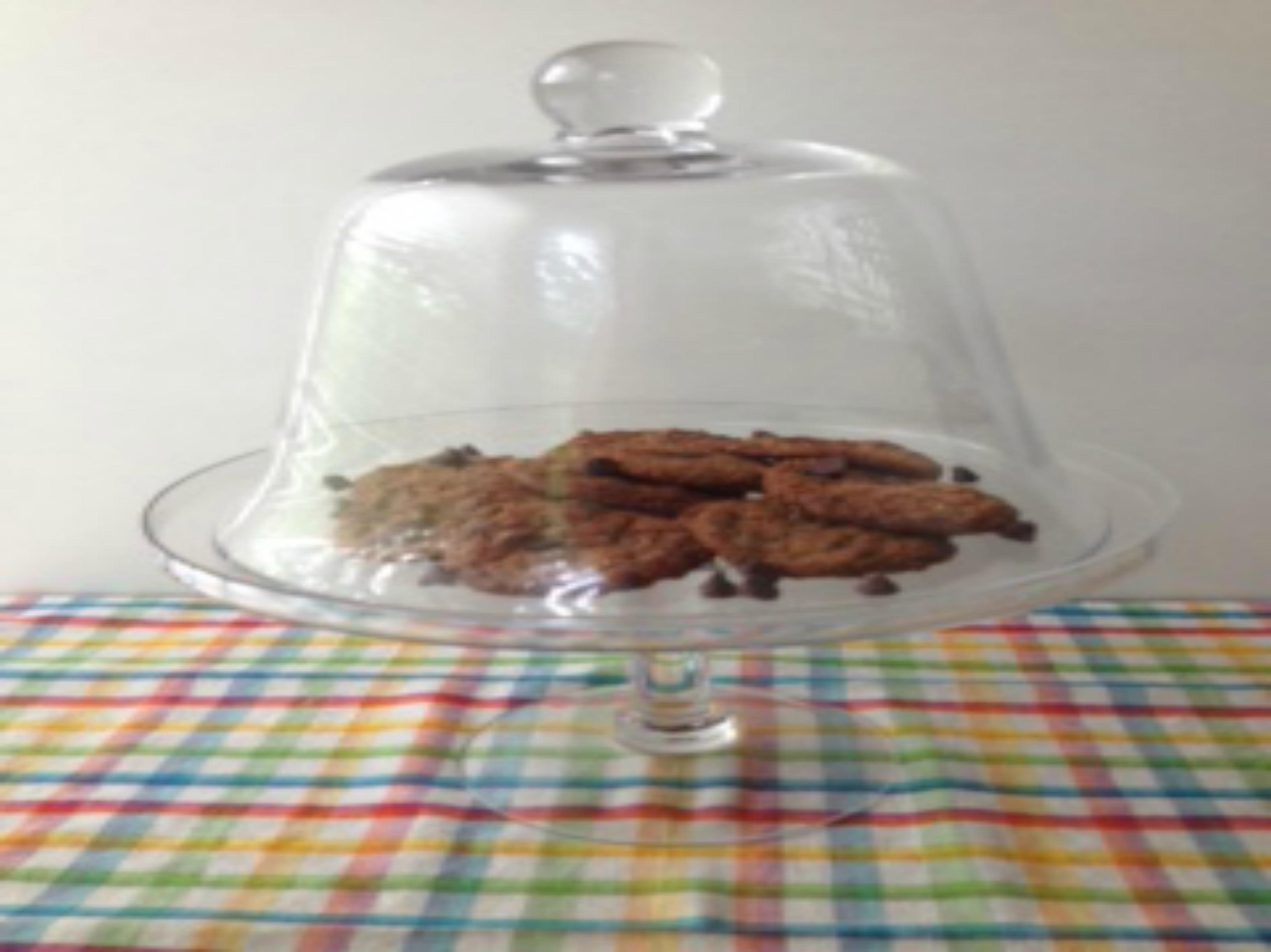 cookies in display platter picm