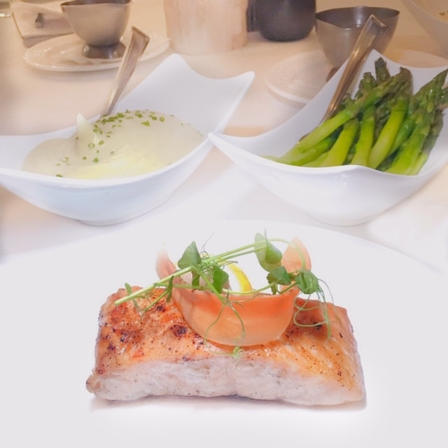Reynolds Lake Oconee Linger Longer Steakhouse Salmon