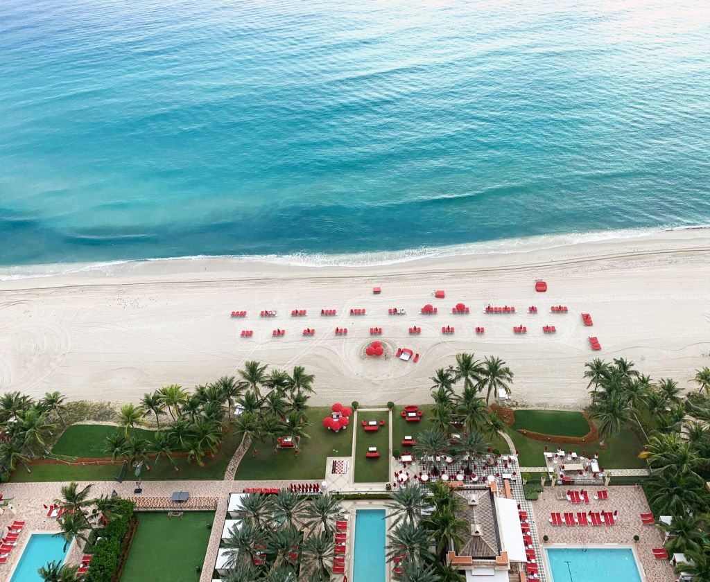 acqualina pool and beach