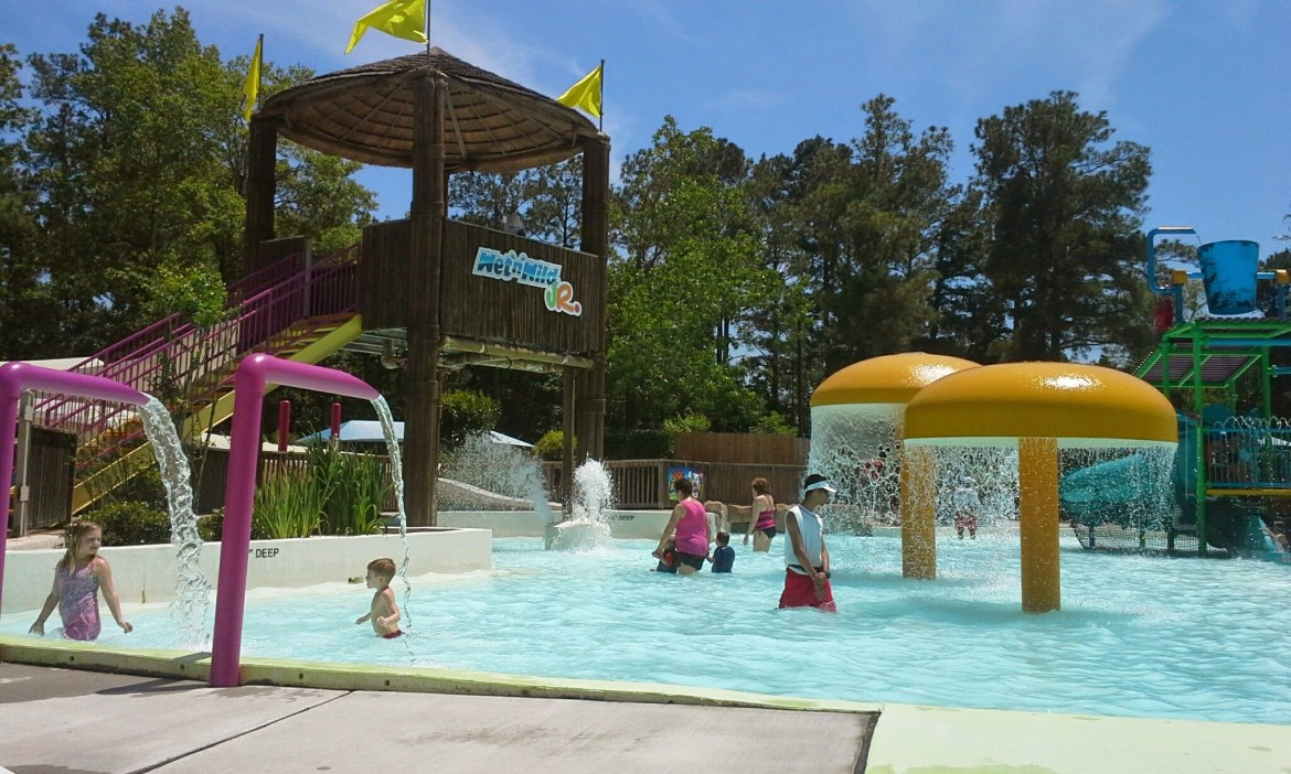 Wet 'n' Wild SplashTown Houston- Check out all of the updates. It is better than ever! Rides for kids, family friendly, kid friendly, Houston vacation for family, kid friendly waterpark in Houston.