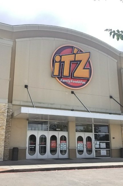 It'z Pizza Is More Than Pizza! It's Family Bonding Time! (+ It'z Pizza Houston Deals and Coupon)