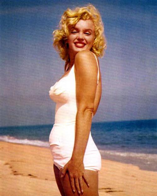 Marilyn-Monroe-+-bathing-suit-+-Long-Island-3