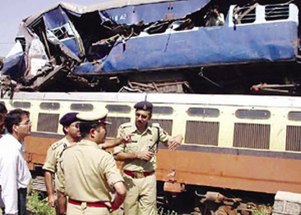 Datia rail crash due to human error; 16 killed