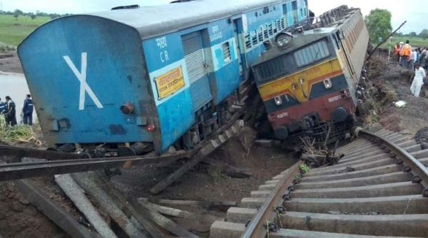 Kamayani - Janta Express derailed in 2015