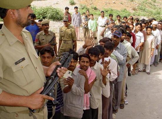 2004 4 20 india vote z5YM5 16298