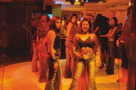 dance bar girls 26