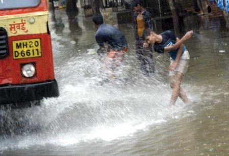 mumbai sinking34 26