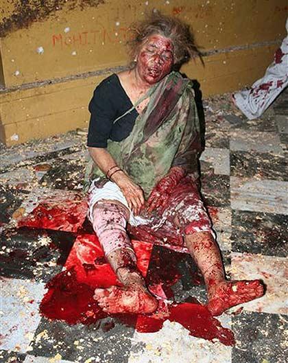 varanasi bomb blast temple tpe 20070115 4IBrx 6943