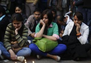 delhi-gang-rape-victim-cremated-amid-tight-security-protests-continue_12