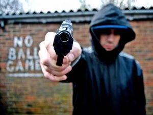 pg-19-gun-crime-alamy