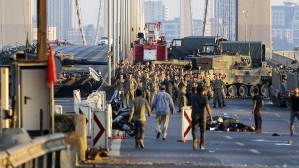 Bosphorus Bridge has been blocked by army tanks