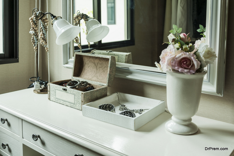 Organize and Store Your Jewelry at Home