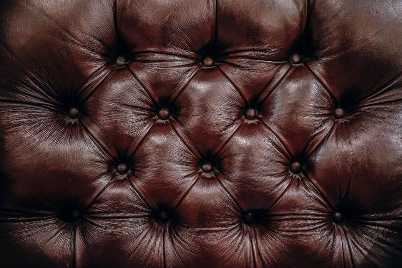Do you want a leather lounge