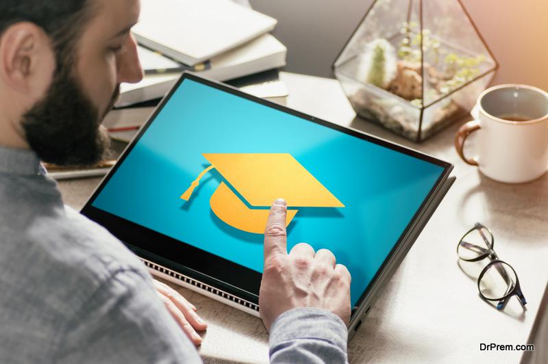 Pursue an Online Degree as an Adult