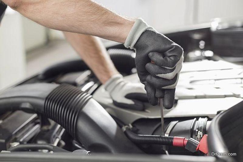 mechanic Diagnosing problems