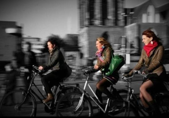 "FlashOn 1.3: Pic ""BicyGIRLS"" by @theparty"