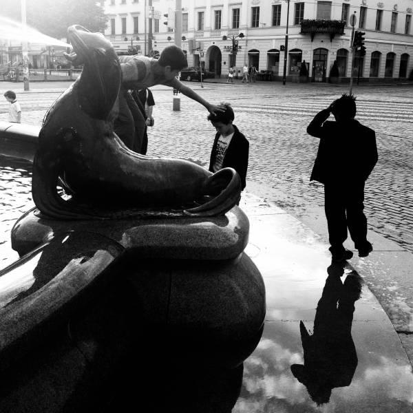 ektara_children_fountain
