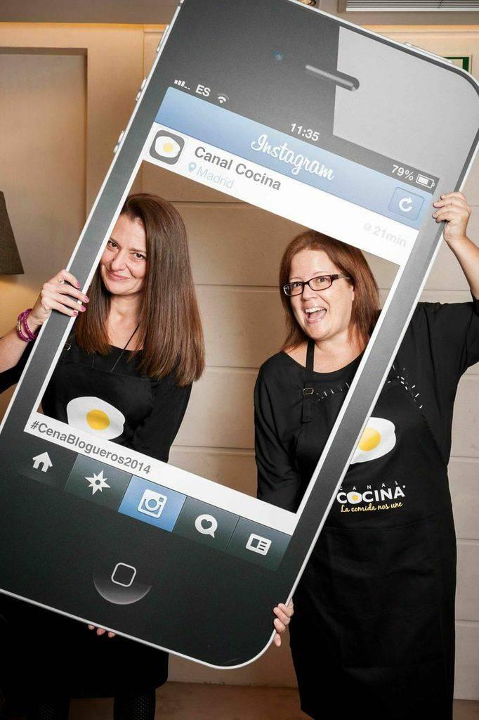 Estibaliz y Miriam de Mensaje en una galleta son @mensajegalleta en Instagram