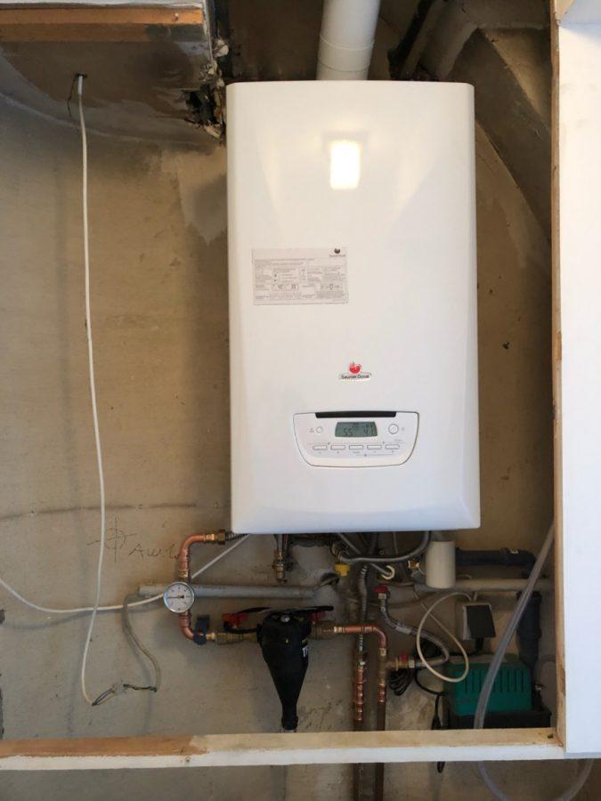 Eine Schönheit in weiß! Die neue Brennwerttherme von Saunier Duval, installiert von Installateur Kaiser & Sohn.