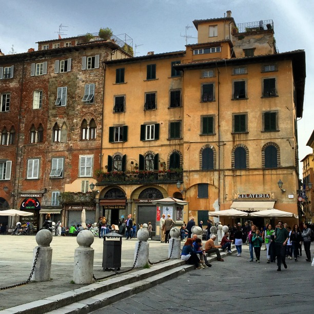 Life in Italy: Piazza San Michele in Lucca, Tuscany