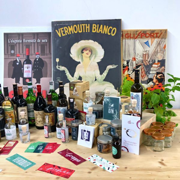 Esperienza Vermouth, a table with drinks on display