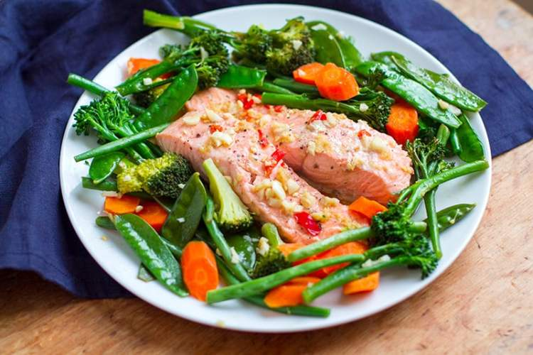 15-Minute Instant Pot Meal - Asian Salmon With Garlic Vegetables