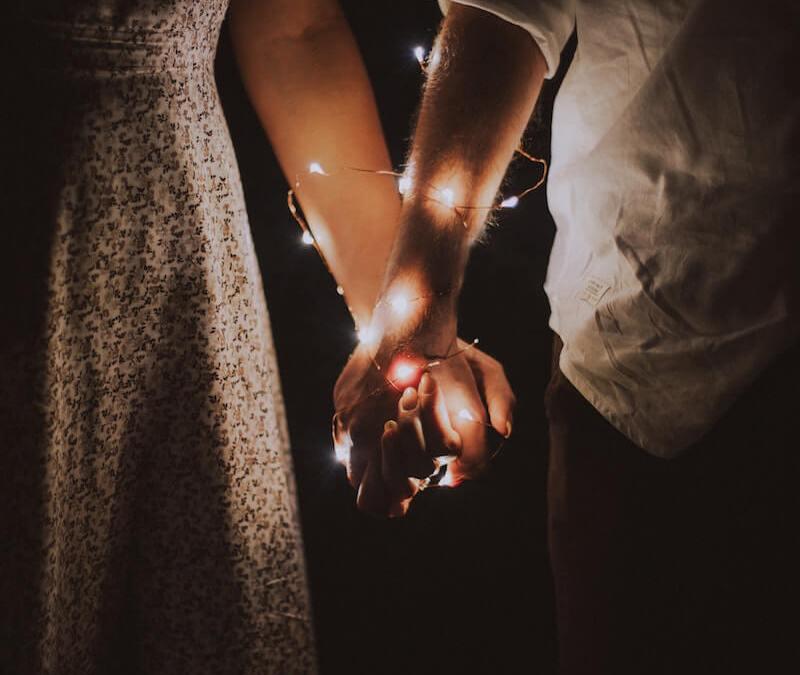 Les deux secrets pour rester fidèle en couple!