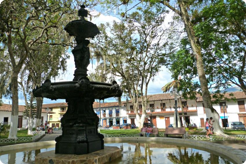 Fuente el la plaza principal de Salamina
