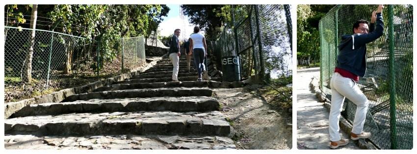 Charles y sus primos subiendo las escaleras de Monserrate en Bogotá